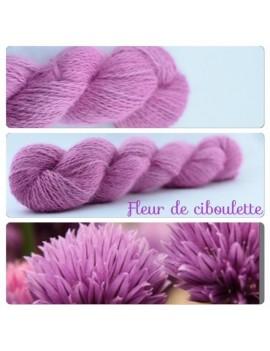 """""""Fleur de Ciboulette"""" Fil fingering 100 % Angora Français"""