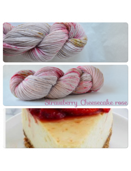 """Strawberry Cheesecake Rose"" 100% Alpaga DK"