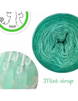 Mint Sirup Fil Single Fingering Mérinos et Soie (long gradient yarn cake)