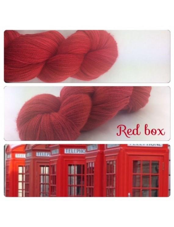 """Red Box"" Fil lace Baby Alpaga"