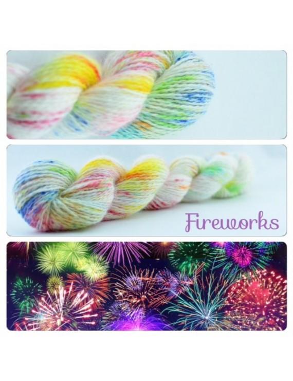 """Fireworks"" Fil fingering 100 % Angora Français"