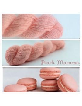 """""""Peach Macaron"""" Fil fingering 100 % Angora Français"""