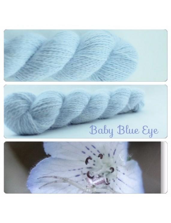 """Baby Blue Eye"" Fil fingering 100 % Angora Français"