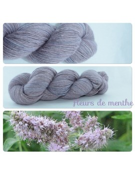 """Fleurs de Menthe"" Single fingering Alpaga Seacell"