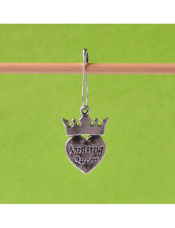 """Knitting Queen"" Removable Stitch Marker"