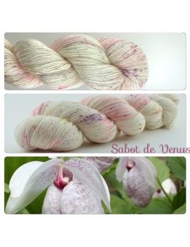 """""""Sabot de Vénus"""" Single Fingering Merino & Silk Yarn"""