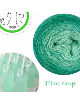 """Mint Sirup"" Fil fingering Baby Alpaga et Soie (long gradient yarn cake)"