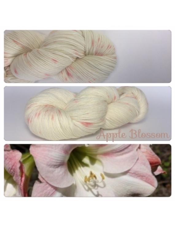 """Apple Blossom"" Fil Mérinos Alpaga & Nylon"