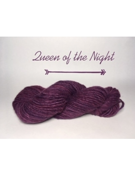 """Queen of the Night"" Fil Bulky Lopi 50 % fine alpaga 50 % Mouton Ile de France"