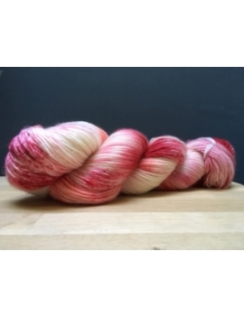 """Rose"" fingering 75 % Mérinos Superwash et 25 % Nylon"
