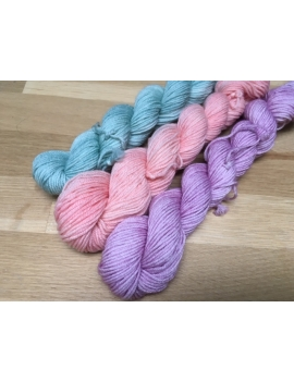 """3 minis"" fingering 75 % Mérinos Superwash et 25 % Nylon"