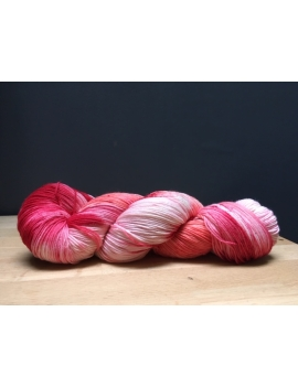 """Rose S"" fingering 75 % Mérinos Superwash et 25 % Nylon"