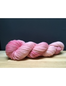 """Rose D"" fingering 75 % Mérinos Superwash et 25 % Nylon"