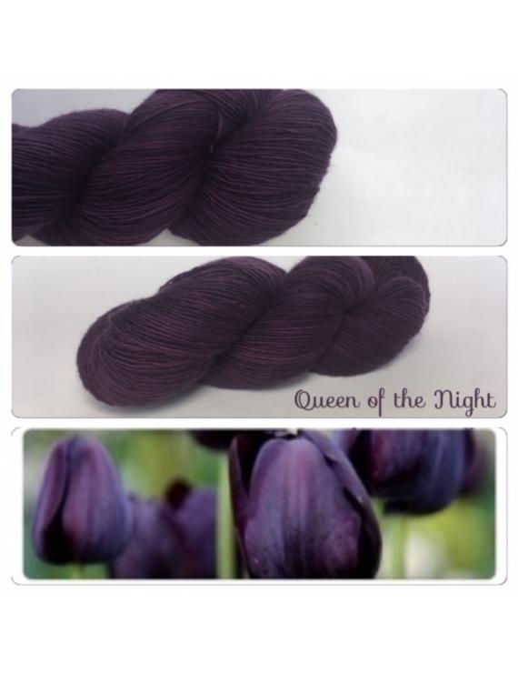 """Queen Of the Night"" Fil Single Fingering Mérinos"