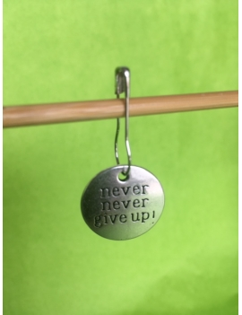 """Never Never Give Up"" Anneau marqueur"