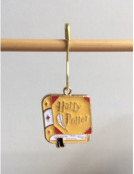 """""""Le grimoire de la Maison Poufsouffle"""" Anneau marqueur Harry Potter"""