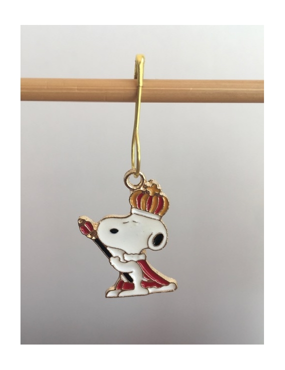 """Snoopy Roi"" Stitch Markers"