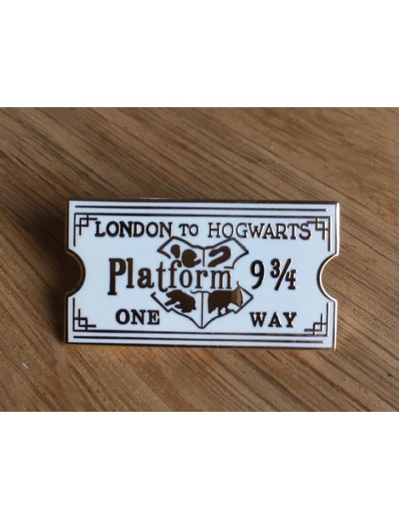"""London to Hogwards Ticket"" Pins Harry Potter"