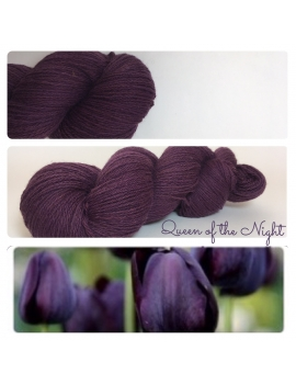 """Queen of the Night"" Fil Fingering 50% Baby Alpaga 50% Merinos"
